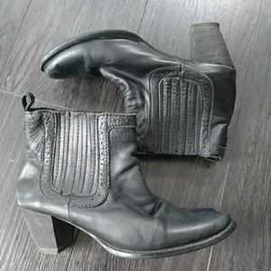URGE Black Leather Western Ankle Boots